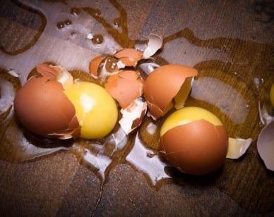 eggsbreaking